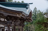 本堂には日本最大の木彫観音。超デカいです。顔が。でも撮影禁止。